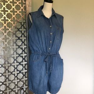 Universal Thread size L denim jumper